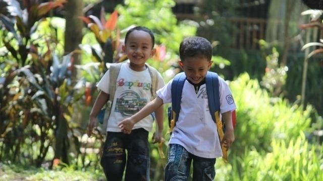 Youth Migration and Educational Selectivity in the Context of Human Capital Development in Indonesia